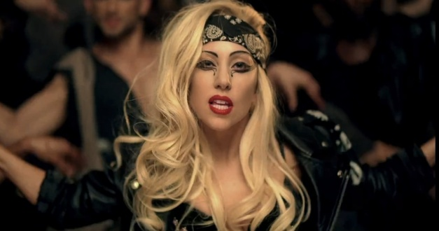 YouTube-Lady-Gaga-Judas-12